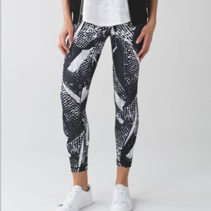Lululemon high times 7/8 length full on luon sz 2